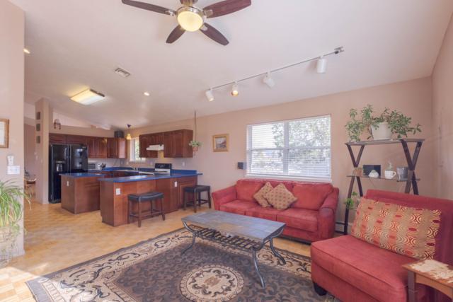 8 Joe Mae Road, Edgewood, NM 87015 (MLS #939612) :: Silesha & Company