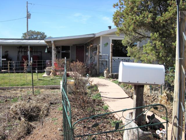 162 Cedar Lane Drive, Moriarty, NM 87035 (MLS #939937) :: The Bigelow Team / Realty One of New Mexico
