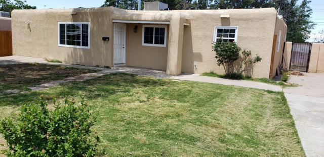 1215 Christine Street NE, Albuquerque, NM 87112 (MLS #941121) :: Silesha & Company