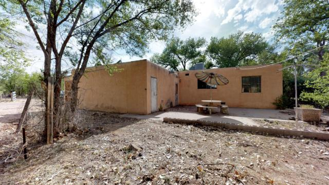2325 Pajarito Road SW, Albuquerque, NM 87105 (MLS #944053) :: Campbell & Campbell Real Estate Services