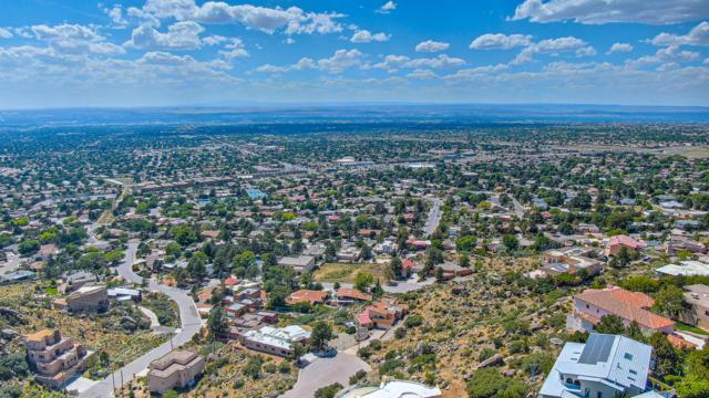 13509 Deer Trail NE, Albuquerque, NM 87111 (MLS #945668) :: The Bigelow Team / Realty One of New Mexico