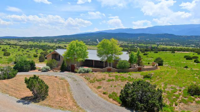 1 Vista De Sandia, Sandia Park, NM 87047 (MLS #947062) :: Campbell & Campbell Real Estate Services
