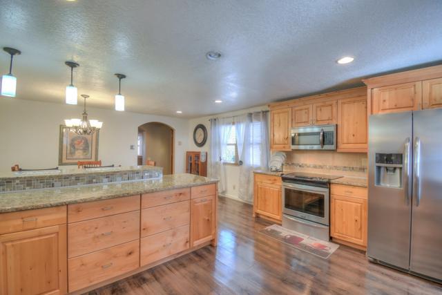 157 Calle De Blas, Corrales, NM 87048 (MLS #947153) :: Campbell & Campbell Real Estate Services