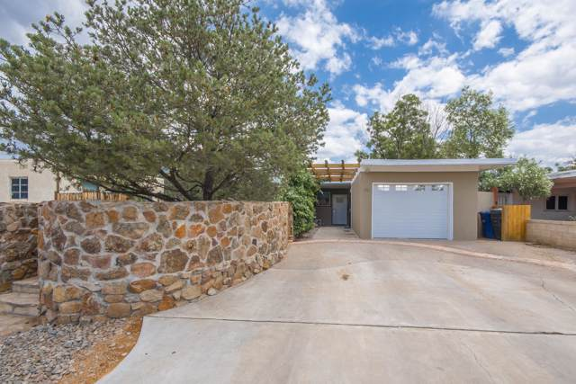 1116 Stanford Drive NE, Albuquerque, NM 87106 (MLS #949902) :: Campbell & Campbell Real Estate Services