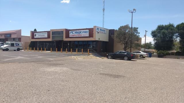 1541 Eubank Boulevard NE, Albuquerque, NM 87112 (MLS #951006) :: The Bigelow Team / Red Fox Realty
