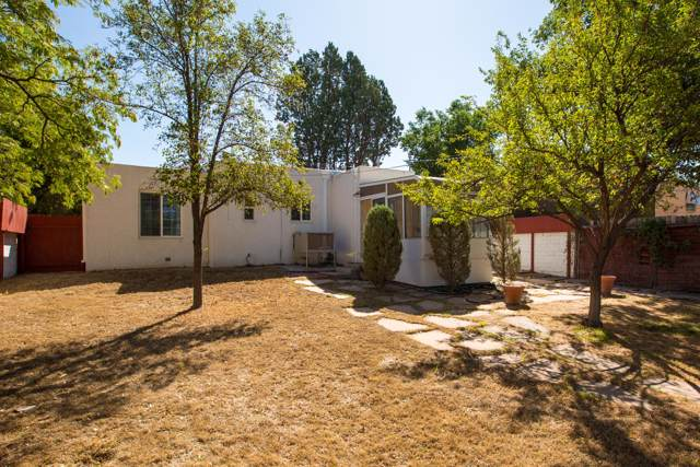 405 Richmond Drive SE, Albuquerque, NM 87106 (MLS #953510) :: Campbell & Campbell Real Estate Services