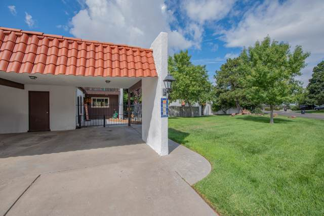 1201 Bernalillo Place SE, Albuquerque, NM 87123 (MLS #954101) :: The Bigelow Team / Red Fox Realty