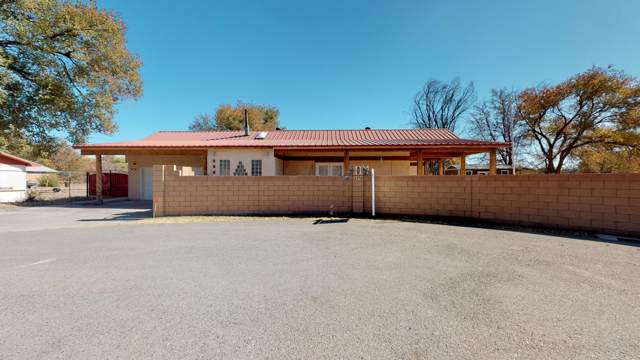 2176 Copeland Road SW, Albuquerque, NM 87105 (MLS #956230) :: Campbell & Campbell Real Estate Services