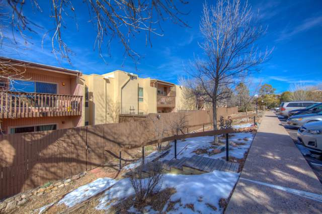 155 Calle Ojo Feliz Q, Santa Fe, NM 87505 (MLS #956719) :: Campbell & Campbell Real Estate Services