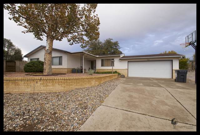 5043 Martin Place NW, Albuquerque, NM 87114 (MLS #957521) :: Campbell & Campbell Real Estate Services