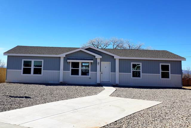 1723 Desert Vista Drive, Espanola, NM 87532 (MLS #958083) :: Campbell & Campbell Real Estate Services