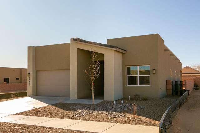 2449 Lynn SE, Rio Rancho, NM 87124 (MLS #958990) :: The Buchman Group