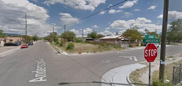 610 Anderson Avenue SE, Albuquerque, NM 87102 (MLS #959077) :: The Bigelow Team / Red Fox Realty