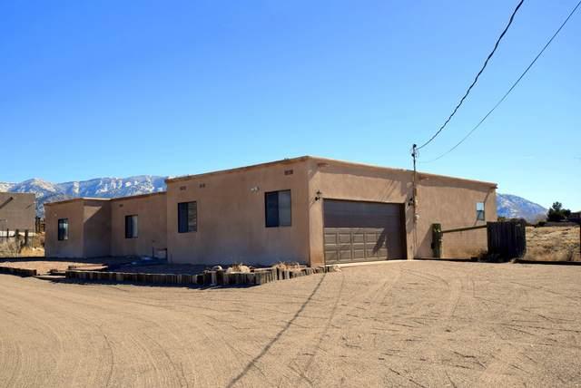 12404 Palomas Avenue NE, Albuquerque, NM 87122 (MLS #962455) :: Campbell & Campbell Real Estate Services