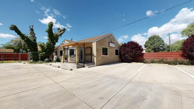 1610 Bonaguidi Road SW, Albuquerque, NM 87105 (MLS #968928) :: The Buchman Group