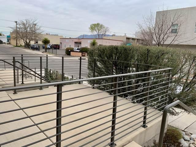 201 Aliso Drive SE #4, Albuquerque, NM 87108 (MLS #971419) :: Berkshire Hathaway HomeServices Santa Fe Real Estate