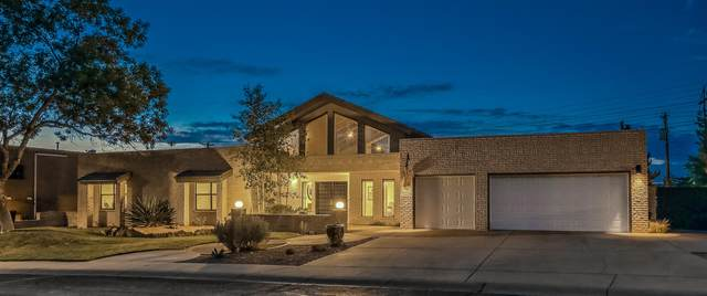 9701 Tanoan Drive NE, Albuquerque, NM 87111 (MLS #971480) :: The Bigelow Team / Red Fox Realty