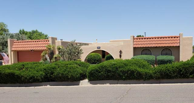 835 Rio Arriba Avenue SE, Albuquerque, NM 87123 (MLS #971833) :: The Buchman Group
