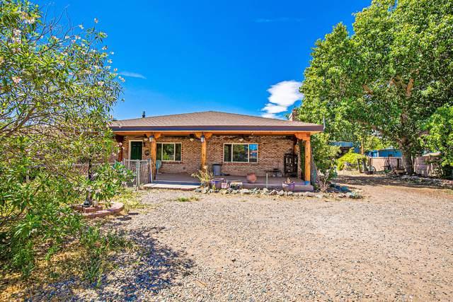 235 Jarales Road, Jarales, NM 87023 (MLS #971889) :: Berkshire Hathaway HomeServices Santa Fe Real Estate