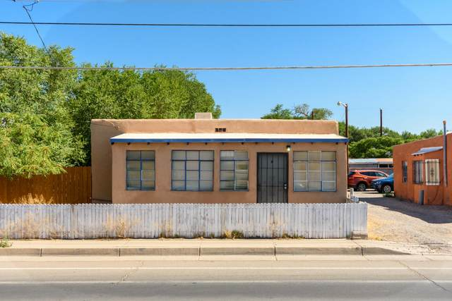 1717 Griegos Road NW, Albuquerque, NM 87107 (MLS #972422) :: Campbell & Campbell Real Estate Services