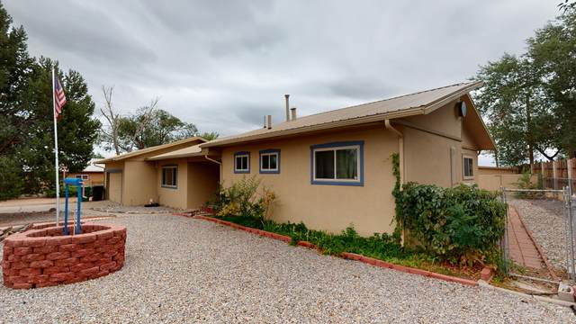 1116 Cielo Vista Del Sur, Corrales, NM 87048 (MLS #976837) :: Sandi Pressley Team