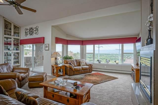 2700 Vista Grande Drive NW #78, Albuquerque, NM 87120 (MLS #976861) :: The Bigelow Team / Red Fox Realty