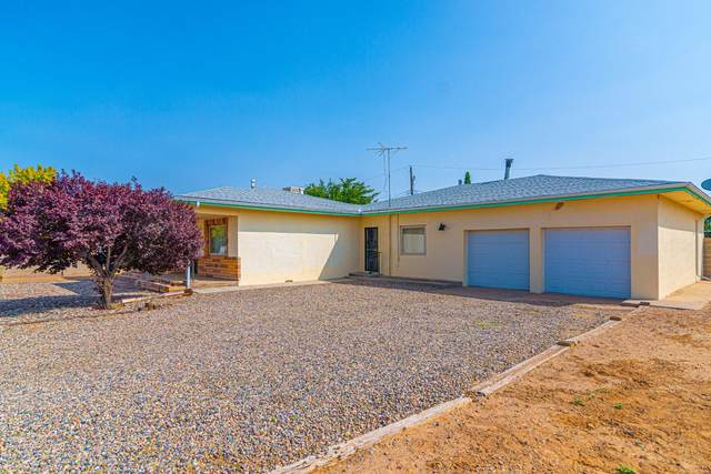 1017 Dillon Avenue, Belen, NM 87002 (MLS #977025) :: Sandi Pressley Team