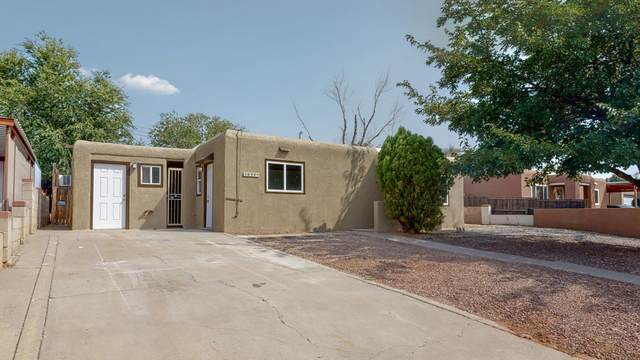 3608 Garcia Street NE, Albuquerque, NM 87111 (MLS #977154) :: Berkshire Hathaway HomeServices Santa Fe Real Estate