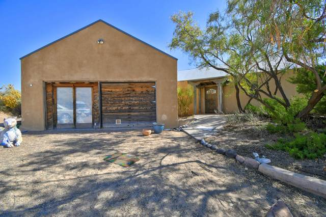 1440 Hollywood Boulevard, Corrales, NM 87048 (MLS #978762) :: Campbell & Campbell Real Estate Services