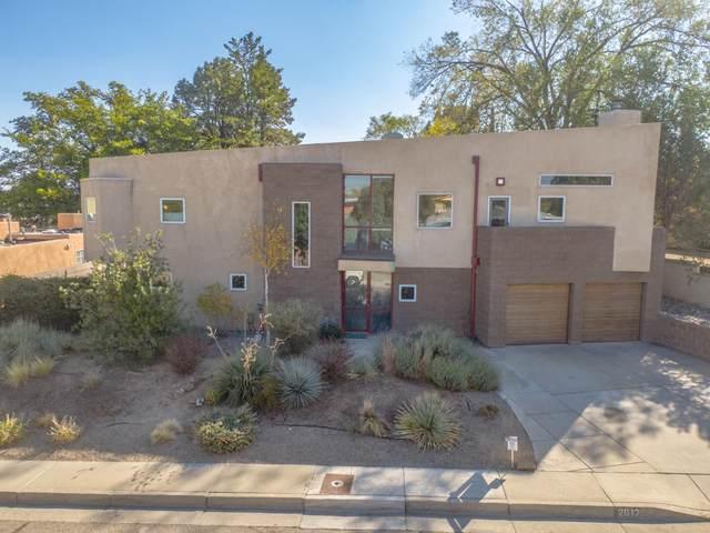 2612 Vista Larga Avenue NE, Albuquerque, NM 87106 (MLS #980962) :: Campbell & Campbell Real Estate Services