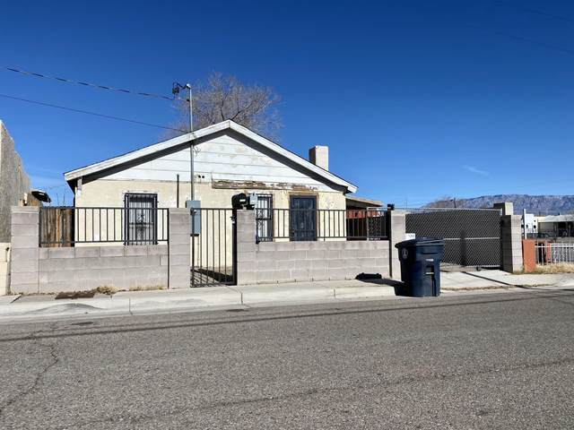 519 Towner Avenue NW, Albuquerque, NM 87102 (MLS #982299) :: Campbell & Campbell Real Estate Services