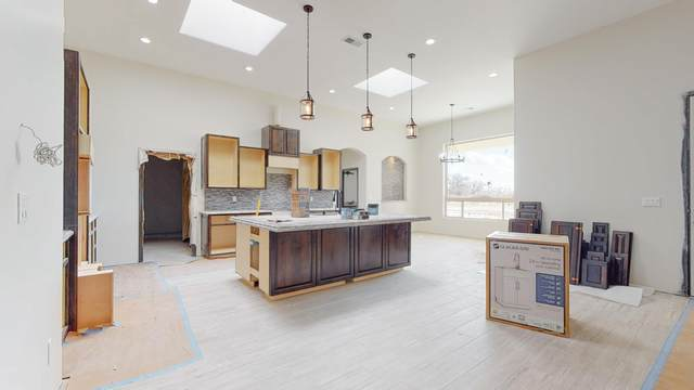 3 Del Cerro Court, Los Lunas, NM 87031 (MLS #982942) :: Keller Williams Realty