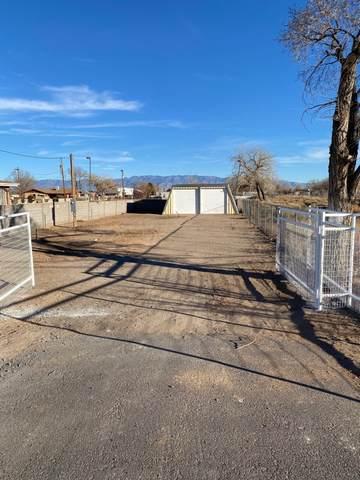 910 S Main Street, Belen, NM 87002 (MLS #982992) :: The Buchman Group