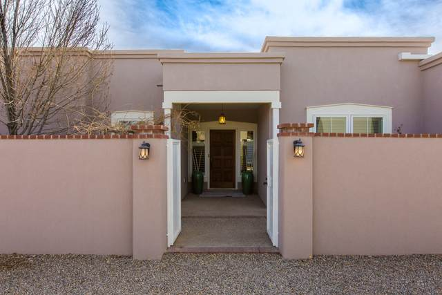 5106 Guadalupe Trail NW, Albuquerque, NM 87107 (MLS #985570) :: The Buchman Group