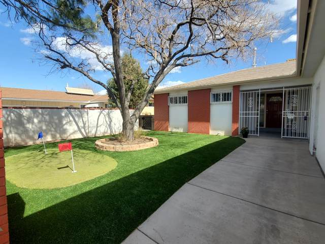 1612 California Street NE, Albuquerque, NM 87110 (MLS #986207) :: The Buchman Group