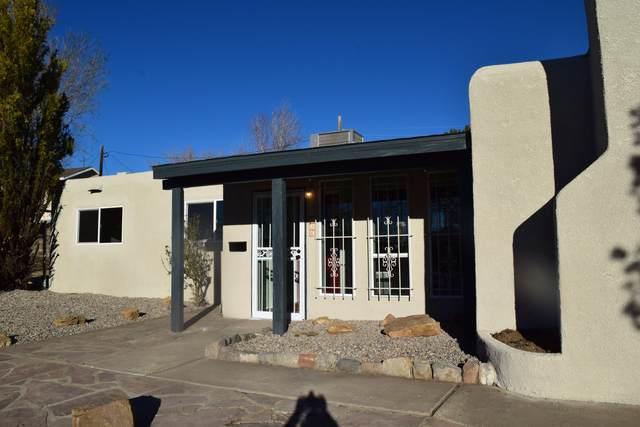 1516 E June Street NE, Albuquerque, NM 87112 (MLS #986296) :: Berkshire Hathaway HomeServices Santa Fe Real Estate