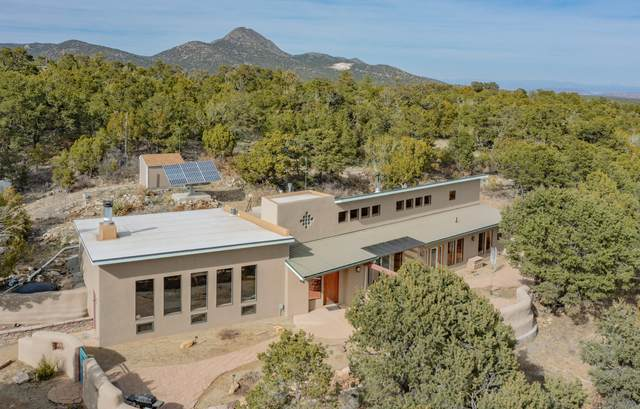 40 Calle Del Cedro, Sandia Park, NM 87047 (MLS #989040) :: Keller Williams Realty