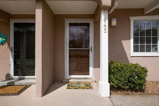 645 Camino Floretta NW, Albuquerque, NM 87107 (MLS #989238) :: Keller Williams Realty