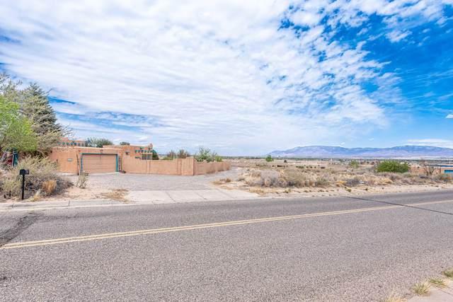 3605 Gun Club Road SW, Albuquerque, NM 87121 (MLS #989297) :: The Buchman Group