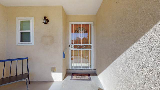 1417 Dartmouth Drive NE, Albuquerque, NM 87106 (MLS #989379) :: Keller Williams Realty