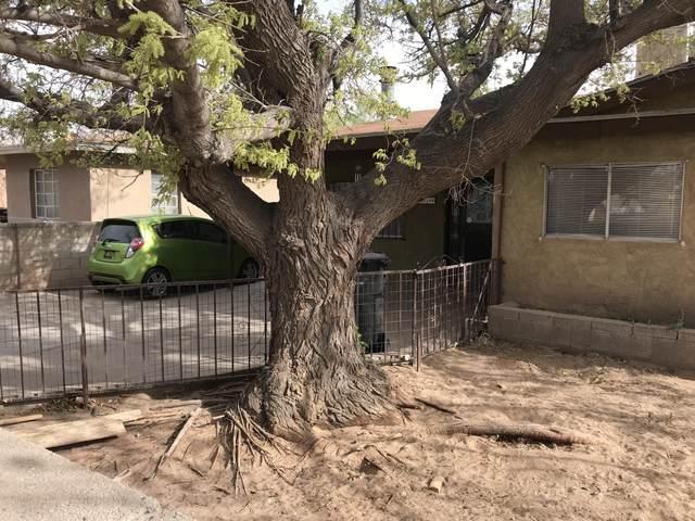 1818 Byron Avenue SW, Albuquerque, NM 87105 (MLS #989782) :: The Buchman Group