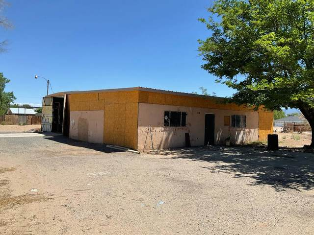 1749 Val Verde Drive SW, Albuquerque, NM 87105 (MLS #993177) :: Berkshire Hathaway HomeServices Santa Fe Real Estate