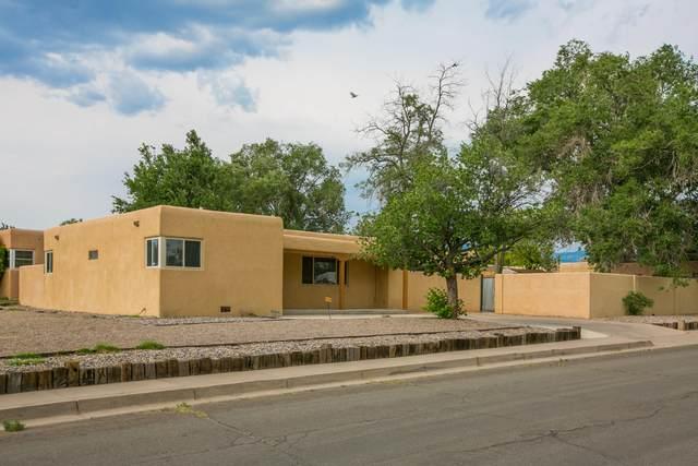 4901 Summer Avenue NE, Albuquerque, NM 87110 (MLS #994545) :: Keller Williams Realty
