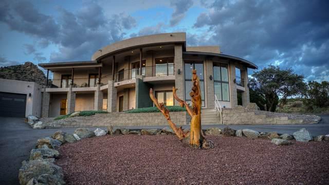 1600 La Tuna Place SE, Albuquerque, NM 87123 (MLS #994676) :: Sandi Pressley Team