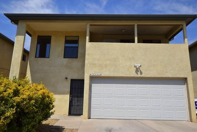 5216 Casita Vista Court NW, Albuquerque, NM 87105 (MLS #994850) :: Berkshire Hathaway HomeServices Santa Fe Real Estate