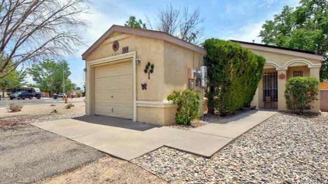 1009 Charles Drive NE, Rio Rancho, NM 87144 (MLS #995052) :: Berkshire Hathaway HomeServices Santa Fe Real Estate