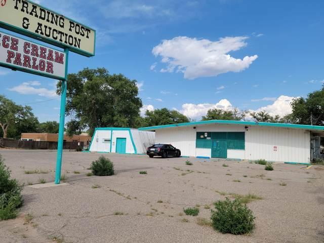 6016 Isleta Boulevard SW, Albuquerque, NM 87105 (MLS #995710) :: Sandi Pressley Team