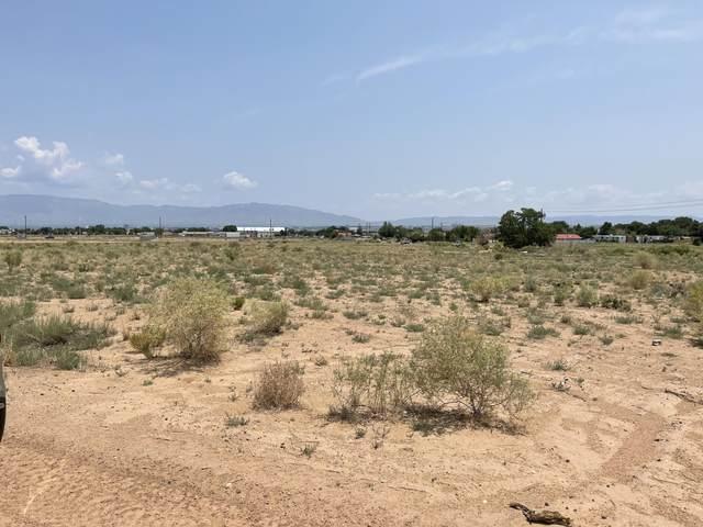 Sage Road SW, Albuquerque, NM 87121 (MLS #997092) :: The Buchman Group