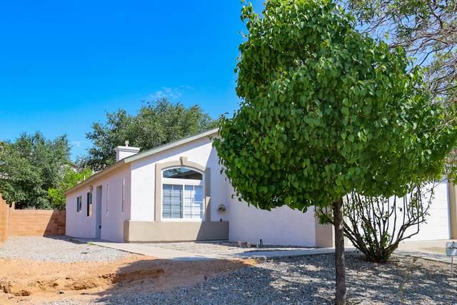 5475 Salem Court NE, Rio Rancho, NM 87144 (MLS #997259) :: Sandi Pressley Team