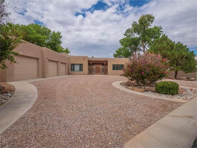 315 Laguna Seca Lane NW, Albuquerque, NM 87104 (MLS #997633) :: Berkshire Hathaway HomeServices Santa Fe Real Estate